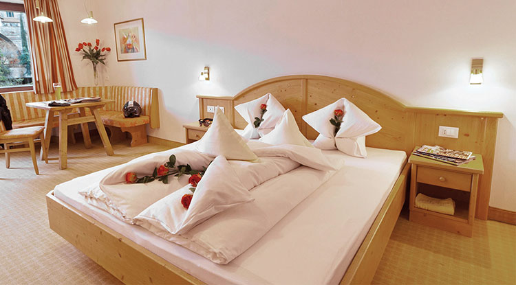 Comfortable double rooms for a holiday in Schenna, near Merano in South Tyrol